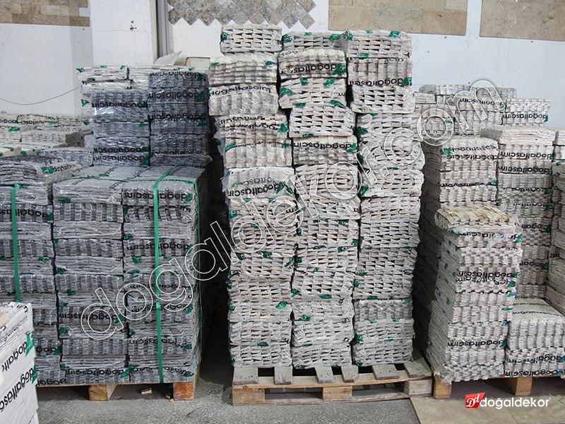 Dikey Doğal Taş Patlatma Gümüş Traverten Yalı Baskısı -DT1265